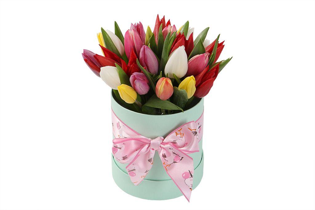 Букет 25 тюльпанов микс в шляпной коробке (мини) фото