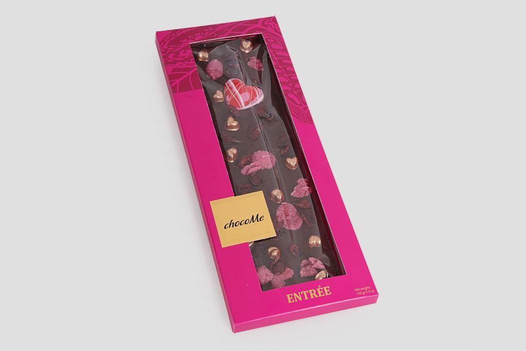 Шоколад горький ChocoMe «Любовь» (лепестки розы+брусника) фото
