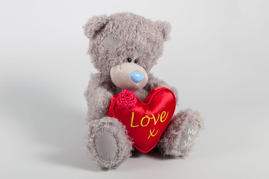 Медвежонок Me to You с красным сердцем фото