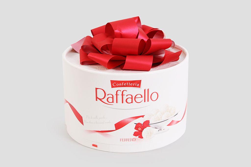 Набор конфет Raffaello «Торт», 100 г фото