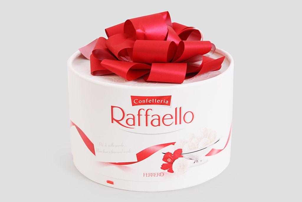 Набор конфет Raffaello «Торт», 200 г фото