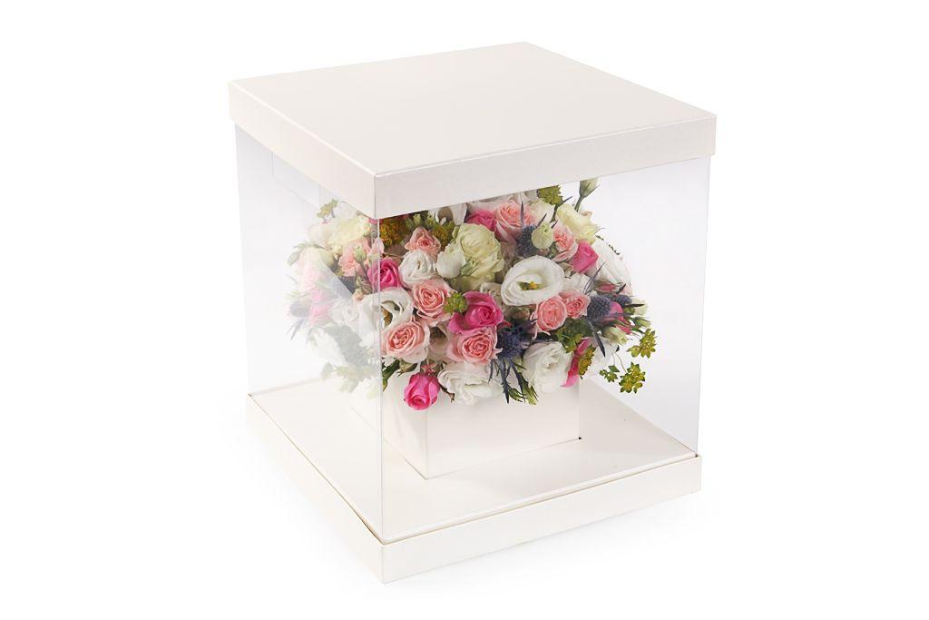 Композиция из цветов Любовь в кубе фото