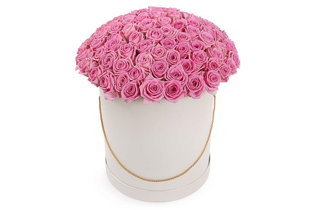 Букет 101 роза Аква в шляпной коробке фото