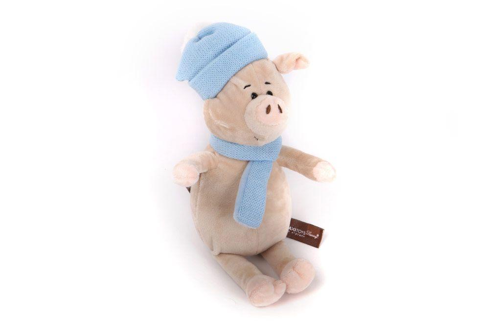 Свинка с голубым шарфом и шапкой, 22 см фото