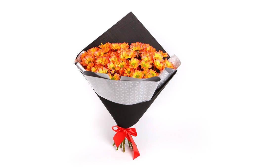 Букет 11 рыжих кустовых хризантем фото