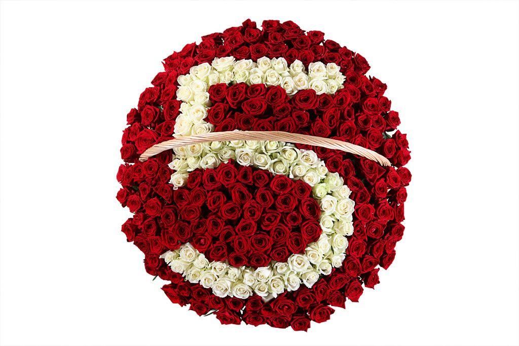 Букет Счастливое число из 251 розы в корзине фото