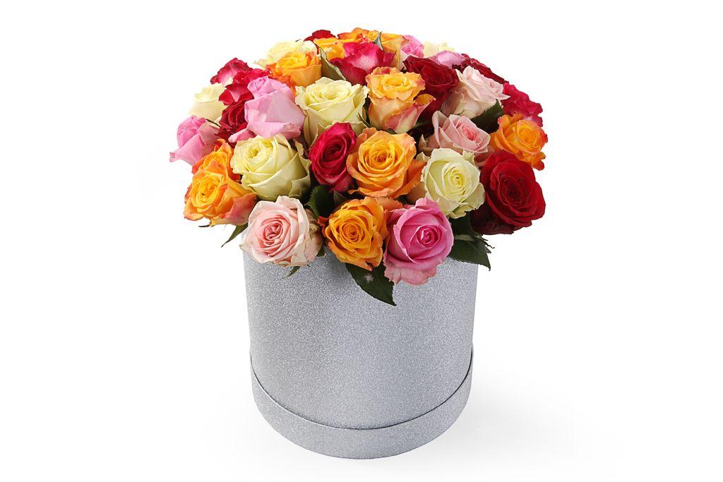 Букет Фламандская легенда (35 роз) в серебристой коробке фото