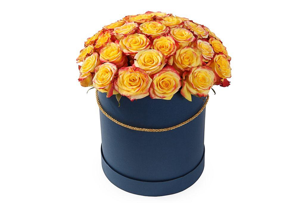Букет 35 роз Хай Еллоу в шляпной коробке фото