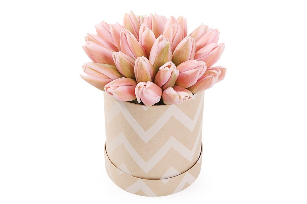 Букет 25 королевский тюльпан в коробке, жемчужные фото