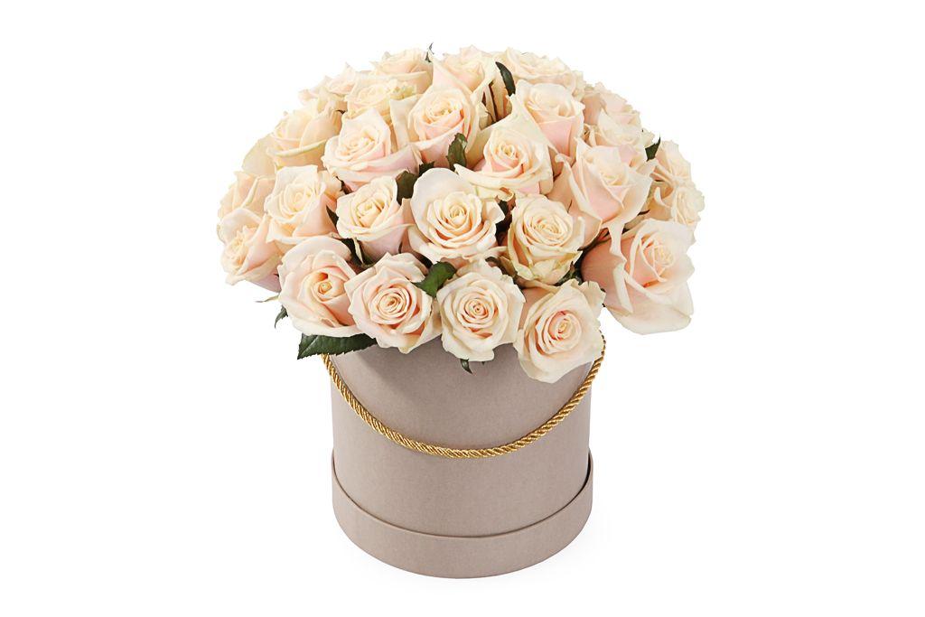 Букет 35 роз Талея в шляпной коробке фото