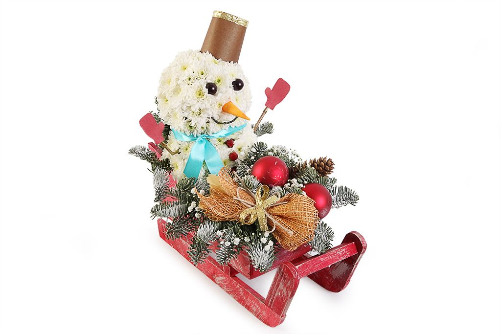 Снеговичок на санках фото