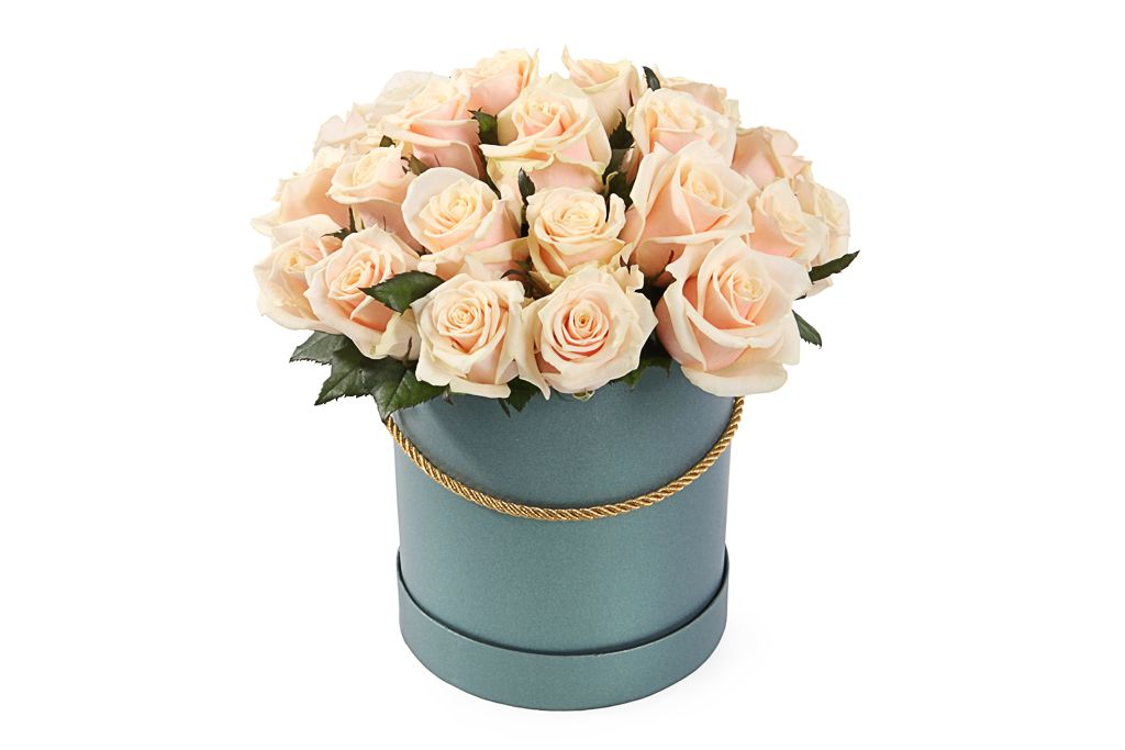 Букет 25 роз Талея в шляпной коробке фото