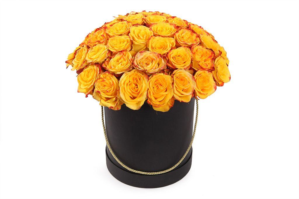 Букет 51 роза Хай Еллоу в черной шляпной коробке фото