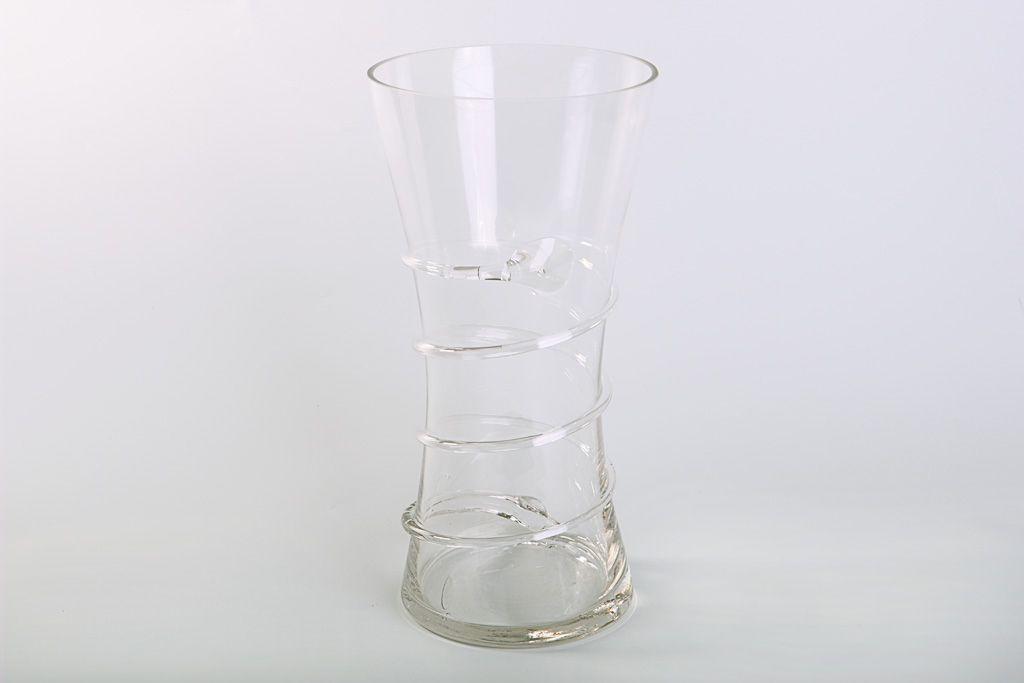 Обвитая ваза фото